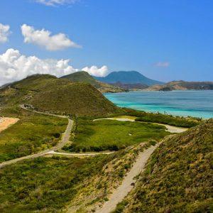 St. Kitts Peninsula splits North (Atlantic) and South (Caribbean